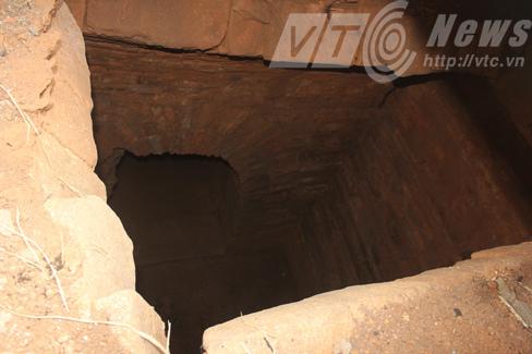 Bí ẩn tòa 'biệt thự' trong lòng đất chứa kho báu ở Quảng Ninh