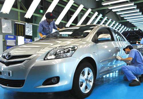 Công nghiệp ô tô, bắt đầu từ nước sơn