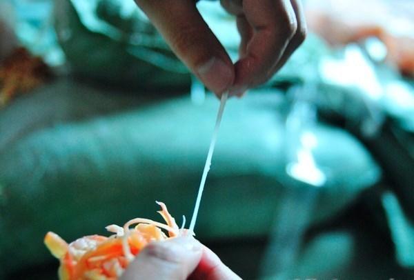 Cá quả, trắm giòn, nho xanh: Đồ ăn Tàu 'bủa vây' Hà Nội