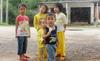 Người lớn 'thi gan', 600 trẻ thất học