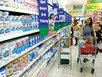 Kiếm trăm tỷ nhờ 'cố thủ' giữ sữa giá cao