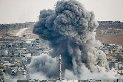 Đấu súng ác liệt ở thị trấn IS vây chiếm