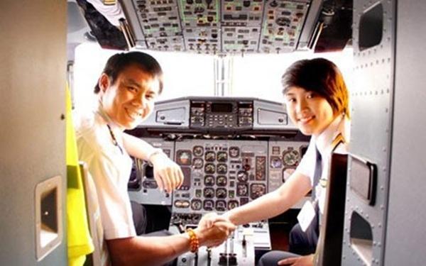 nữ phi công, xinh đẹp, hotgirl
