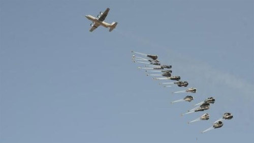 Máy bay Mỹ thả vũ khí cho dân quân Kurd chống IS