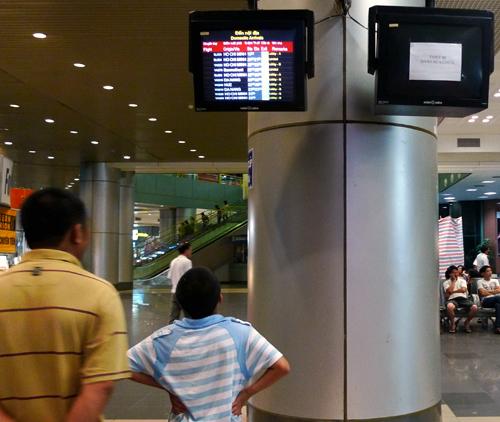 Sân bay Nội Bài: Hình ảnh gặp một lần không thể quên