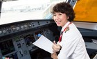 Tốn tiền tỷ thành phi công, tiếp viên hàng không