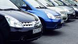 1.000 người xếp hàng: Nghịch cảnh ô tô Việt