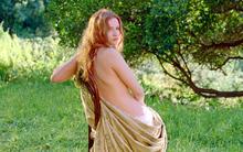 Diễn viên kể chuyện đóng vai người mẫu khỏa thân