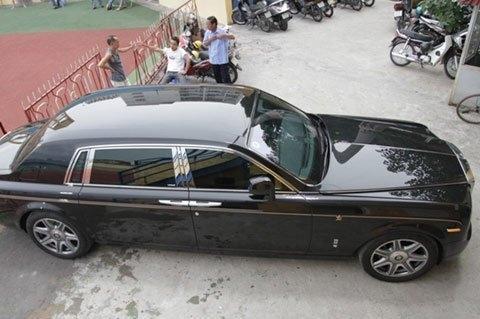 Rolls-Royce Phantom Rồng của bầu Kiên vào tay ai?