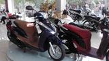 Xe máy ế ẩm, dân buôn không chừa trò bẩn đẩy giá