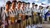Tưng bừng lễ hội bia tươi và món ăn Đức tại Hà Nội
