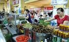 Theo chân thổ địa Đà Nẵng ghé chợ Cồn ăn vặt