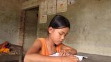 Đường cùng mẹ nghèo bán tóc chữa bệnh tim cho con