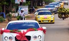 Quê nghèo Bình Định đón đoàn siêu xe rước dâu
