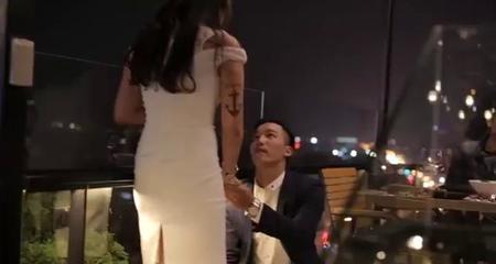 Clip cầu hôn siêu lãng mạn của đôi trẻ Hà Nội