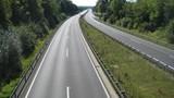 Khám phá cung đường cho phép chạy xe không giới hạn tốc độ