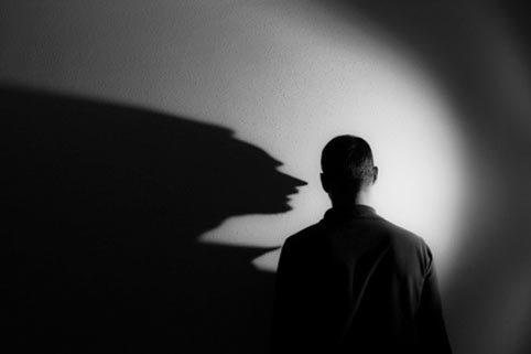Nỗi sợ của người vợ lấy chồng hoang dâm vô độ