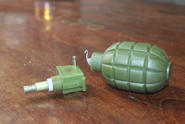 Lựu đạn phát nổ, 2 học sinh nhập viện cấp cứu