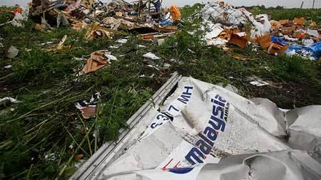 Tìm thấy thêm nhiều phần cơ thể nạn nhân MH17