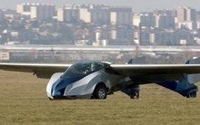Màn trình diễn ấn tượng của ôtô bay sắp được bán đại trà