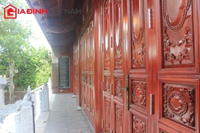 Nghệ An: Tặng nhà gỗ trị giá hàng chục tỷ cho cha mẹ