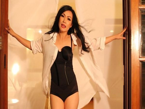 Tóc Tiên, Angela Phương Trinh, thì Thủy Tiê