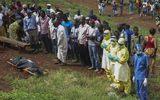 Đau xót cảnh nạn nhân Ebola rên xiết kêu cứu