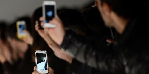 người Việt, số liệu, khảo sát, phỏng vấn, Google, dùng smartphone, chụp ảnh, thống kê