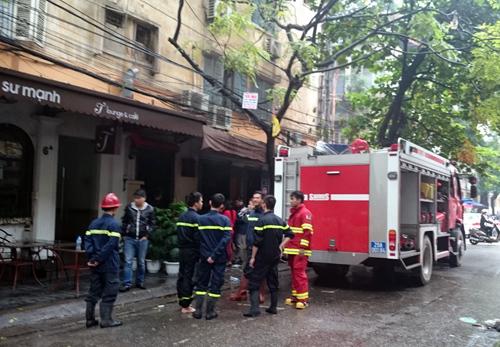 Hà Nội: Nổ bình gas tại quán cafe