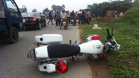 Đi thụ lý vụ tai nạn, thiếu úy CSGT đâm xe tử vong