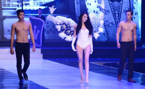 chân dài, đại gia, chăn dắt, ông bầu, showbiz Việt, người mẫu