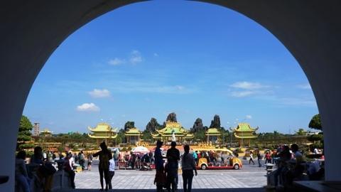 Dũng lò voi, Đại Nam, Huỳnh Uy Dũng, đóng cửa, du khách, Lê Thành Cung