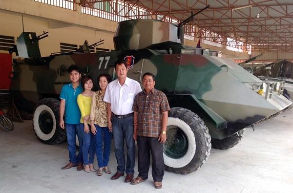 Đại tướng quân hai lúa sang Campuchia làm máy bay