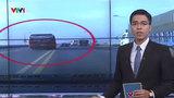 Video: Thót tim cảnh xe khách 'đánh võng' trên đường