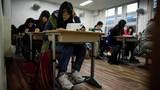 """Hàn Quốc """"đóng băng"""" toàn quốc cho học sinh thi"""