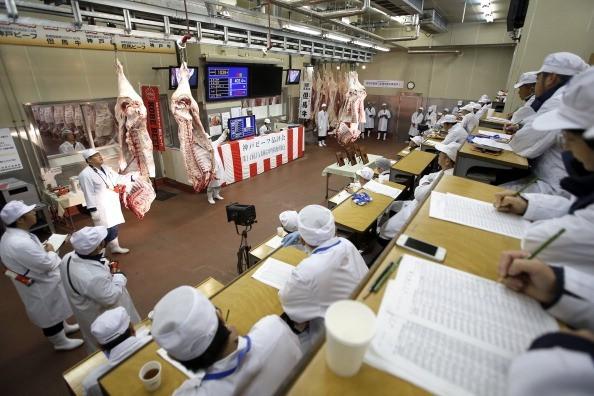 Sự thật về thịt bò Kobe giá ngàn đô
