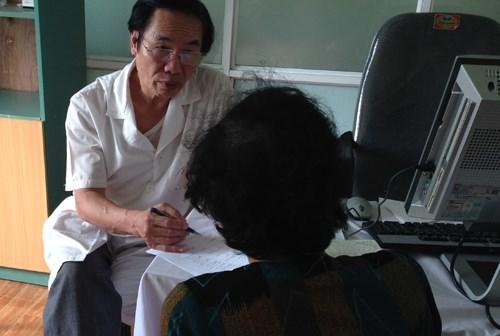 Uống thần dược 'ông khỏe, bà vui': Vợ chồng bắt taxi vào viện cấp cứu