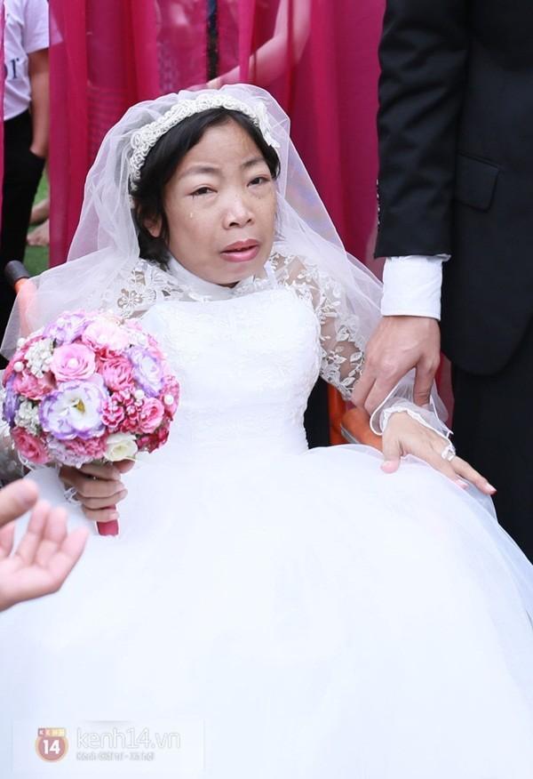 Cô gái suy thận như hóa đá vì nỗi đau mất chồng