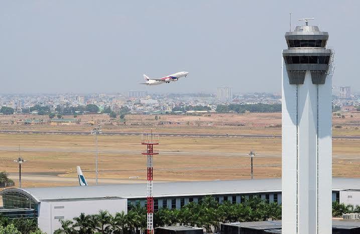 Đài không lưu Tân Sơn Nhất mất điện, nhiều máy bay quay đầu