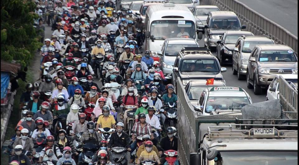Campuchia, ô tô, siêu xe, đại gia, Bugatti Veyron, đô la, Hà Nội, Tp HCM, Sài Gòn, tắc đường, triều cường, ngập, nút cổ chai
