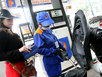 Từ 11 giờ, xăng dầu giảm giá lần thứ 10