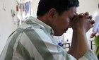 Nước mắt hối hận của ông chồng theo dõi vợ ngoại tình