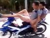 2 kẻ phê ma túy, 'đầu đội trời' lái xe máy bằng chân