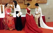 'Đứng hình' vì chiếc váy của Giáng My