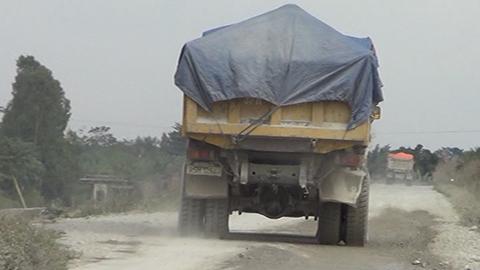 Bắt xe quá tải: Căng nơi này, luồn chỗ khác