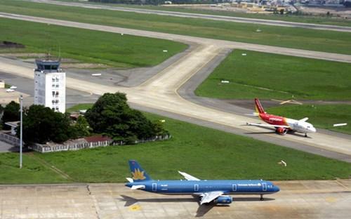 40% nhân viên không lưu thiếu chuẩn và những vụ lừa chạy việc sân bay