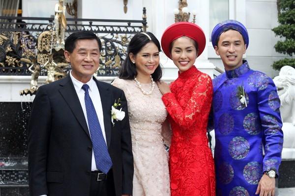 Làm dâu đại gia siêu giàu: Sao showbiz không lễ cưới, bỏ sàn diễn
