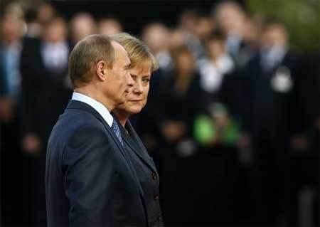 """Thủ tướng Đức tìm đủ cách phá """"vỏ bọc"""" của Putin"""