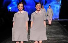 70 cặp sinh đôi Việt lần đầu làm người mẫu