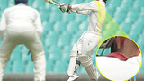 Sốc: Ngôi sao cricket qua đời vì bóng đập trúng cổ